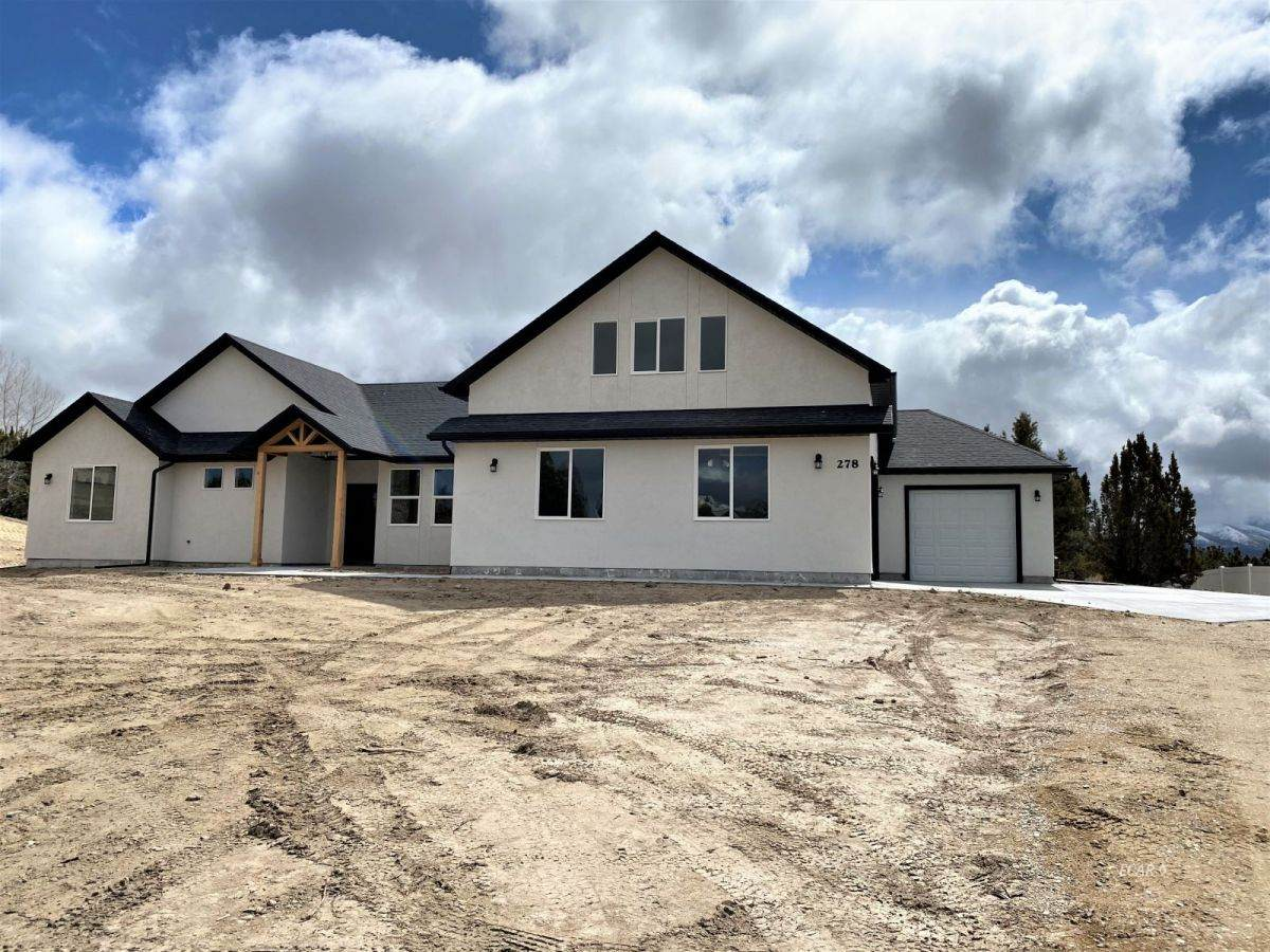 201 Palmers Court - Photo 1