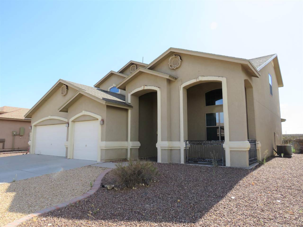 3120 Lookout Point Drive - Photo 1