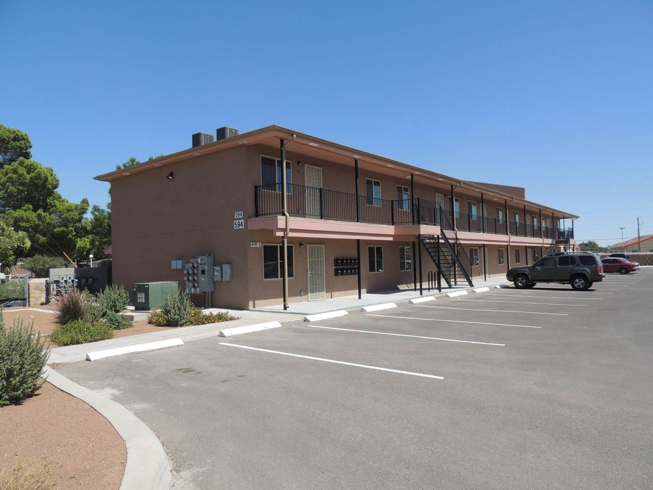 594 Lomaland Drive - Photo 1