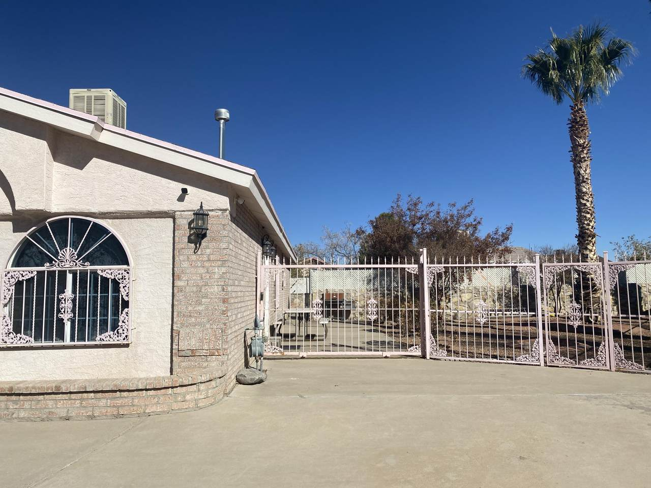 11240 Loma Isla Lane - Photo 1