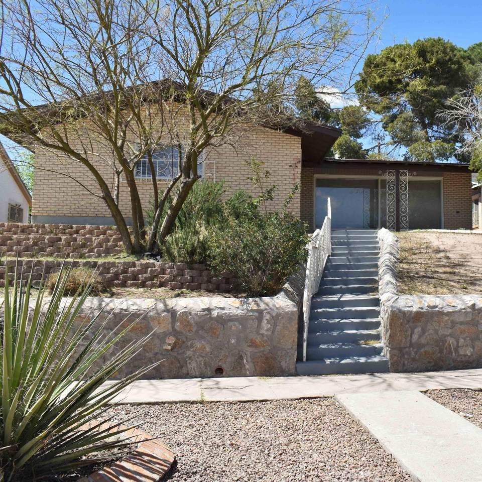 1523 Carlyle Place - Photo 1