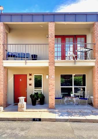 4433 N Stanton Street T5, El Paso, TX 79902 (MLS #831181) :: Mario Ayala Real Estate Group