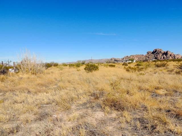 17580 Hueco Mountain Road, El Paso, TX 79938 (MLS #836590) :: The Purple House Real Estate Group
