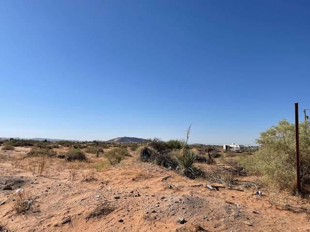 15070 Las Flores Drive, El Paso, TX 79938 (MLS #846291) :: Jackie Stevens Real Estate Group