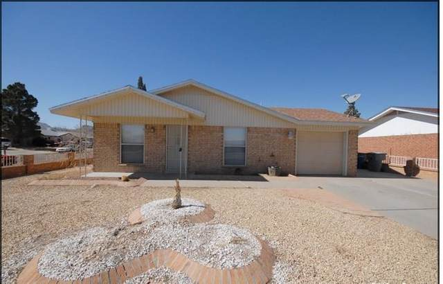 10701 Mcallen Place, El Paso, TX 79924 (MLS #849964) :: Red Yucca Group