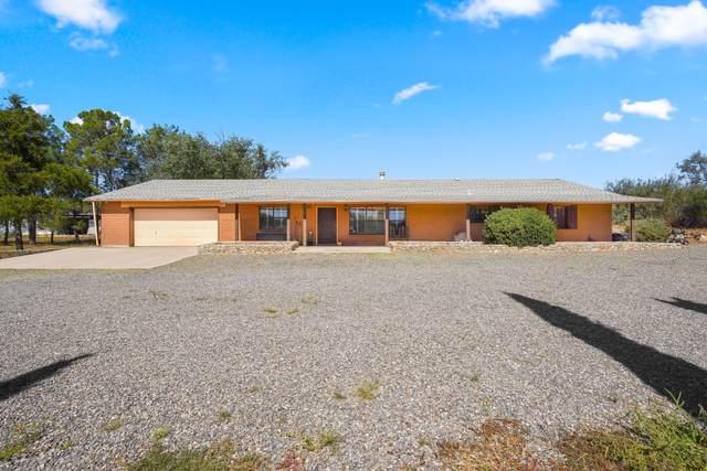 13715 N North Loop Drive, Clint, TX 79836 (MLS #853852) :: Jackie Stevens Real Estate Group