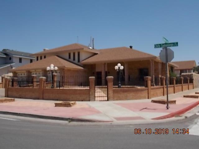 11700 Chito Samaniego Drive, El Paso, TX 79936 (MLS #810041) :: The Purple House Real Estate Group