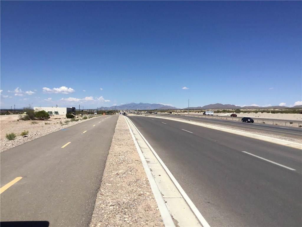 7111 N Desert Blvd - Photo 1