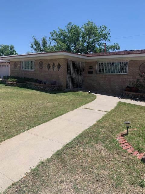 8604 Edgemere Boulevard, El Paso, TX 79925 (MLS #826658) :: Preferred Closing Specialists