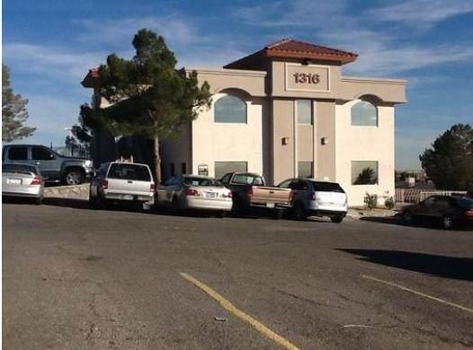 1316 N Yarbrough Drive 2D. Floor, El Paso, TX 79925 (MLS #837414) :: The Purple House Real Estate Group