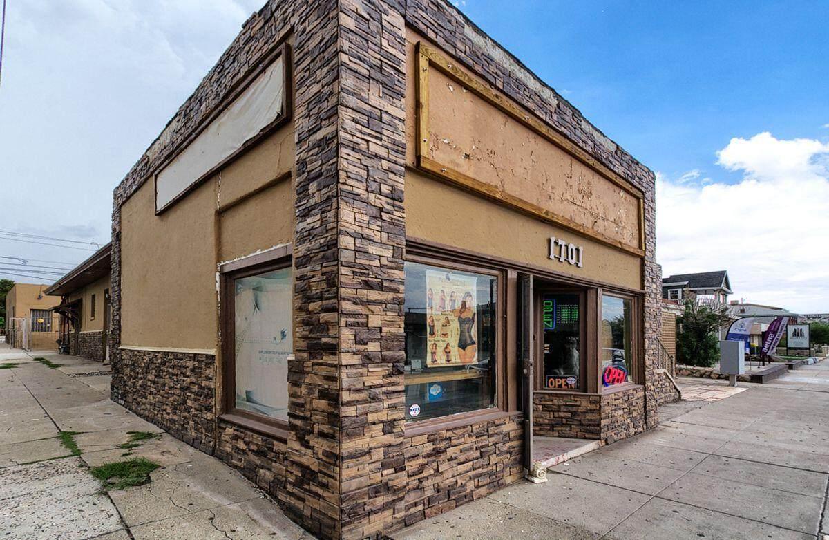 1701 Montana Avenue - Photo 1