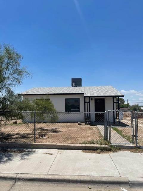 7570 Hacienda Avenue, El Paso, TX 79915 (MLS #848462) :: Red Yucca Group