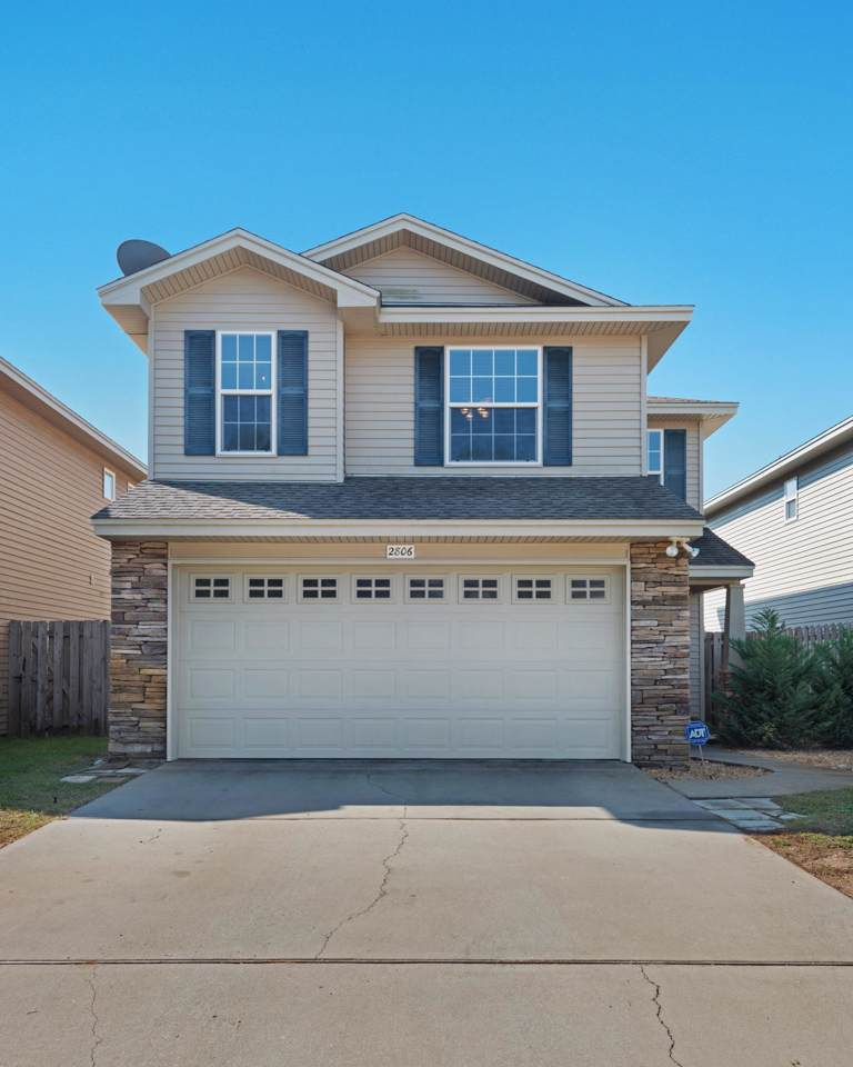 2806 Red Plum Court - Photo 1