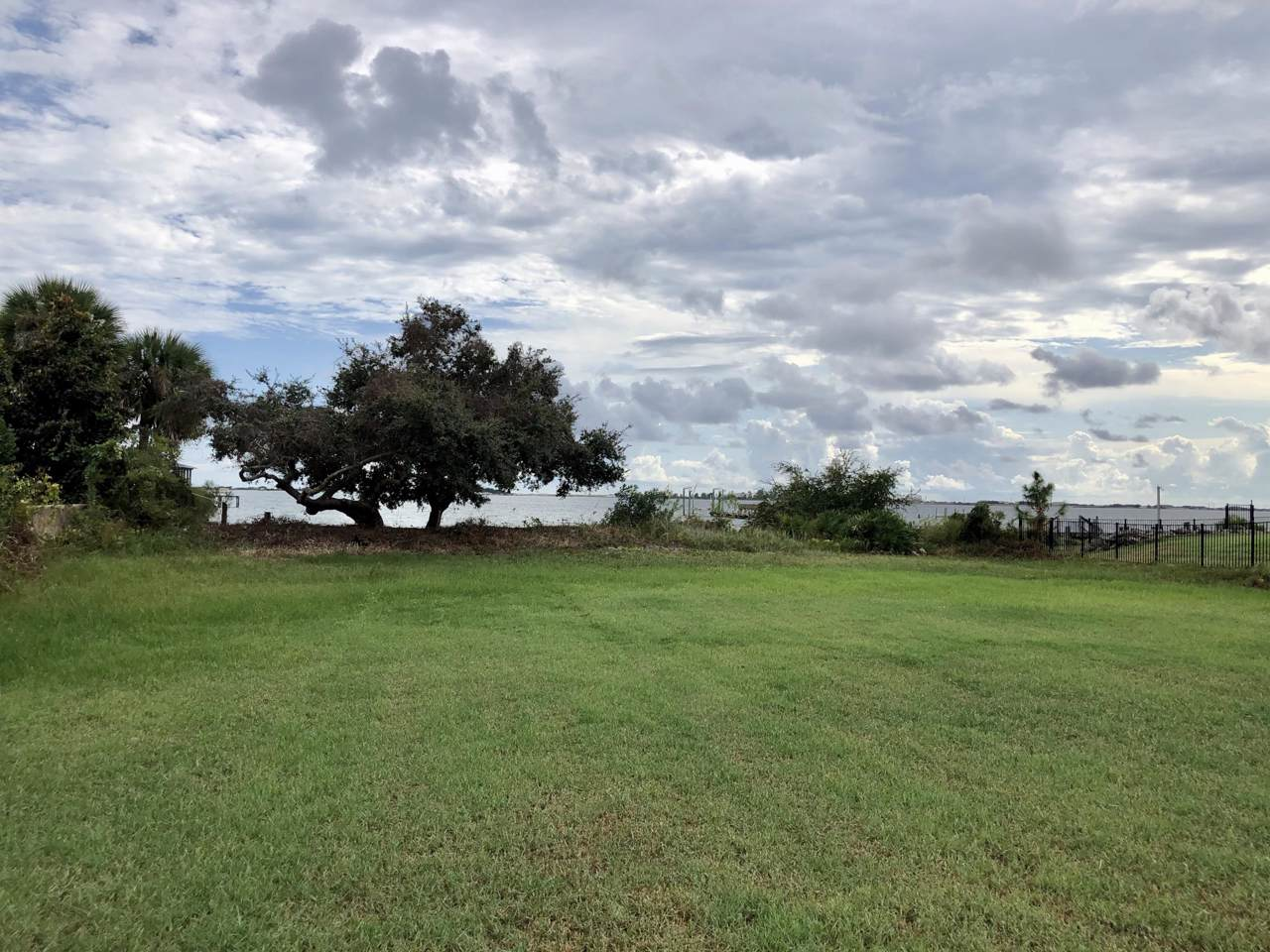 2016 Pritchard Point Drive - Photo 1