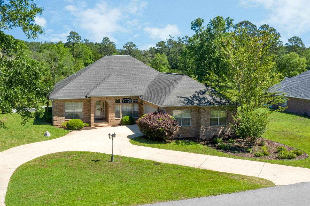 218 Country Club Drive - Photo 1