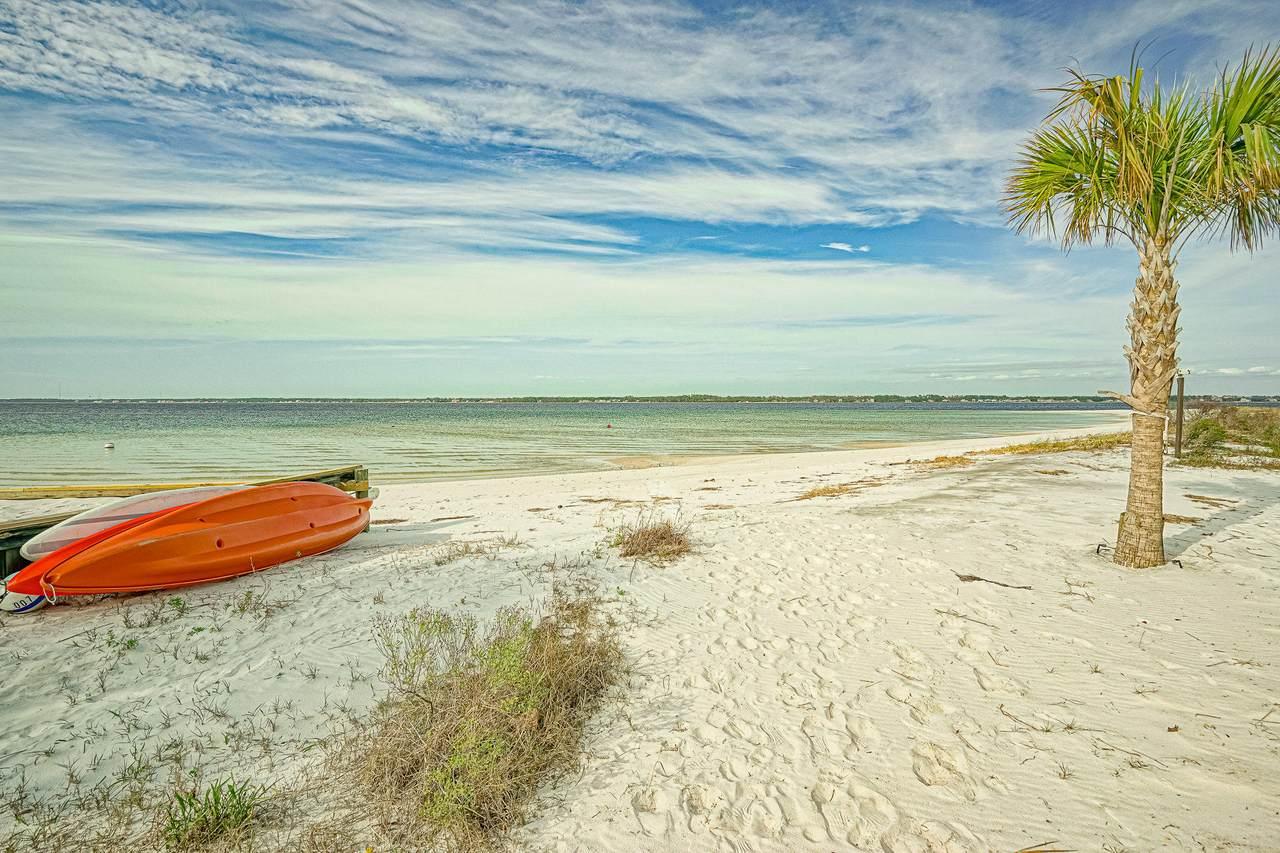 1499 Seaside Circle - Photo 1