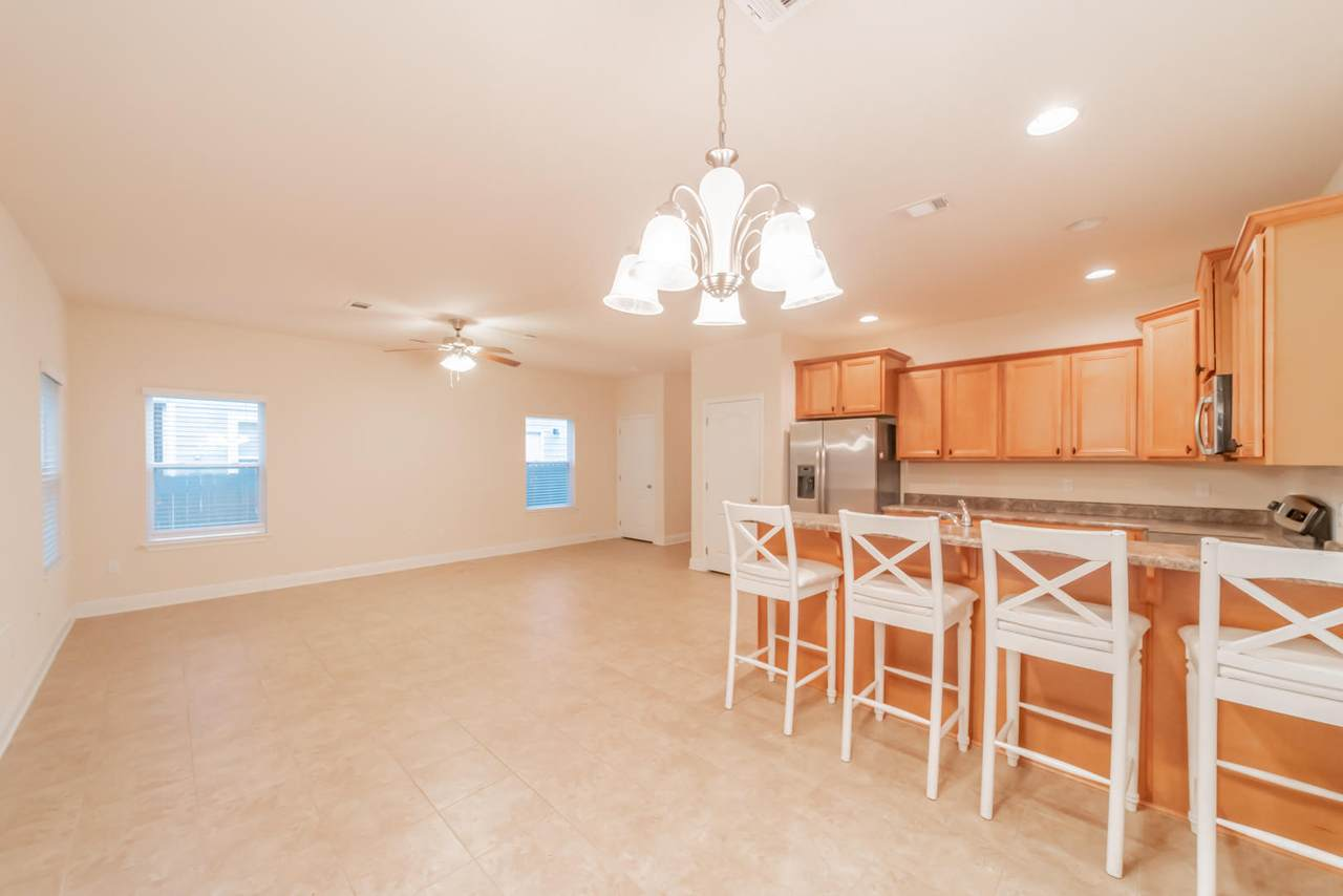 82 Mosaic Oaks Circle - Photo 1