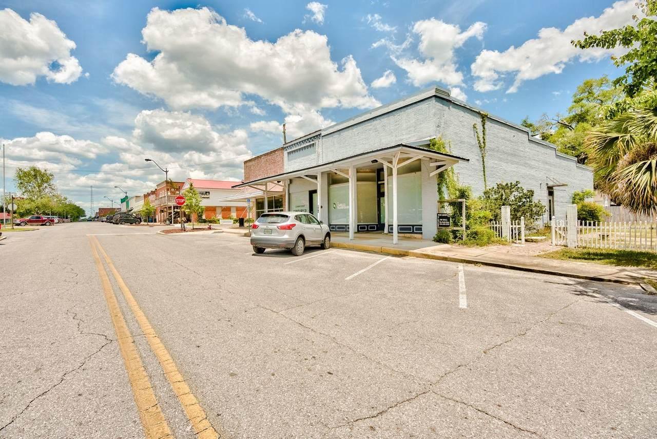 630 Baldwin Avenue - Photo 1