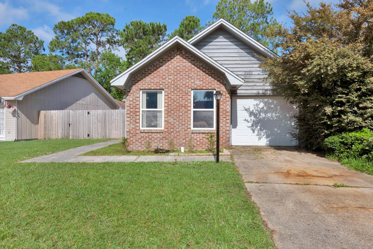 1706 Bennetts End - Photo 1
