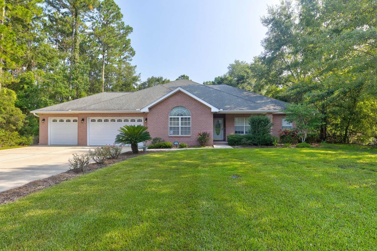 312 Country Club Drive - Photo 1