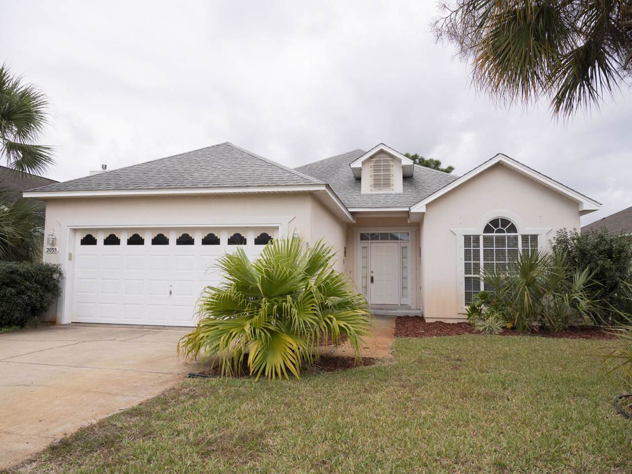 2035 Fountainview Drive - Photo 1