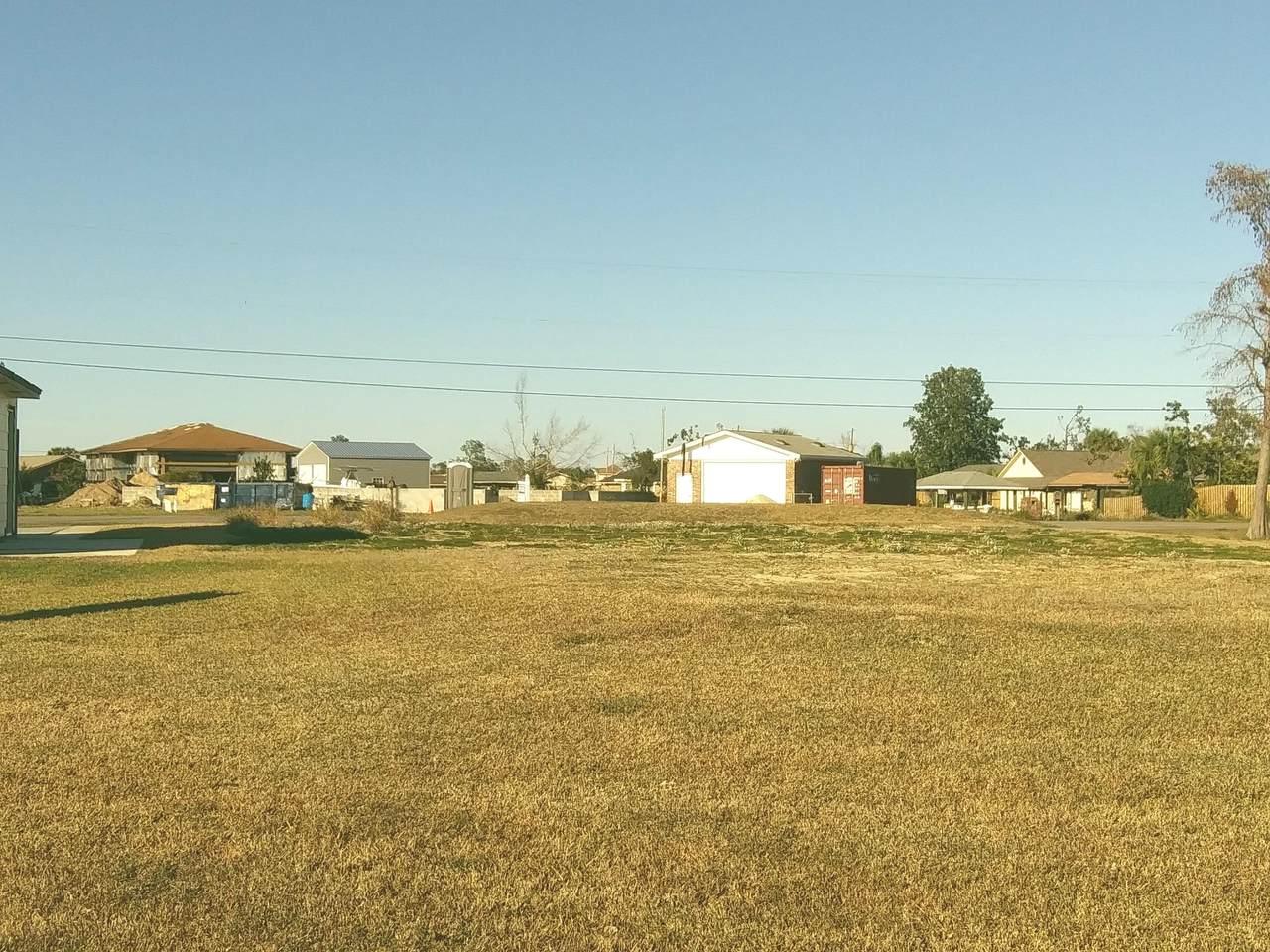 901 Goose Bayou Road - Photo 1