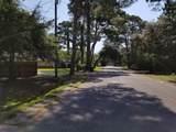 211 Oak Street - Photo 17
