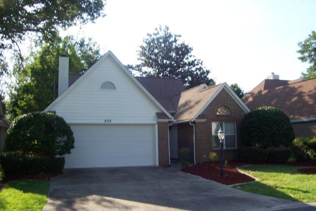835 Fairway Lakes Drive, Niceville, FL 32578 (MLS #800450) :: Classic Luxury Real Estate, LLC
