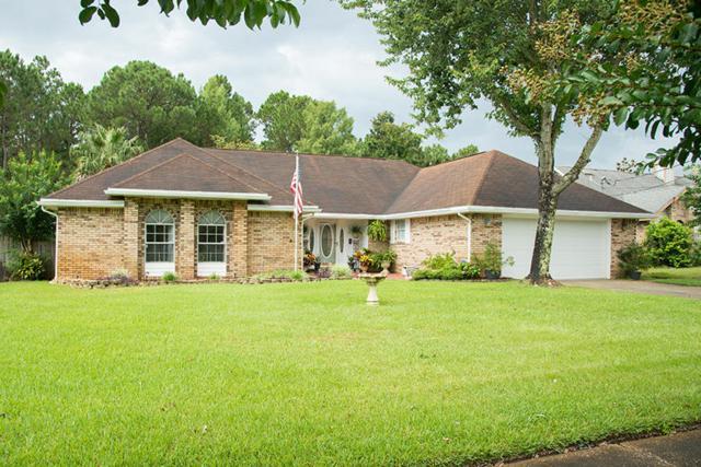 507 E Timberlake Drive, Mary Esther, FL 32569 (MLS #804443) :: Classic Luxury Real Estate, LLC
