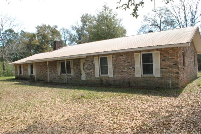 2862 Richburg Lane, Crestview, FL 32539 (MLS #818138) :: Classic Luxury Real Estate, LLC