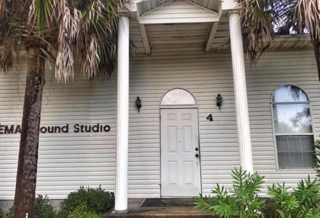 4438 Highway 87, Navarre, FL 32566 (MLS #819102) :: RE/MAX By The Sea