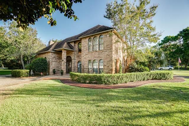 151 W Country Club Drive, Destin, FL 32541 (MLS #832062) :: Scenic Sotheby's International Realty