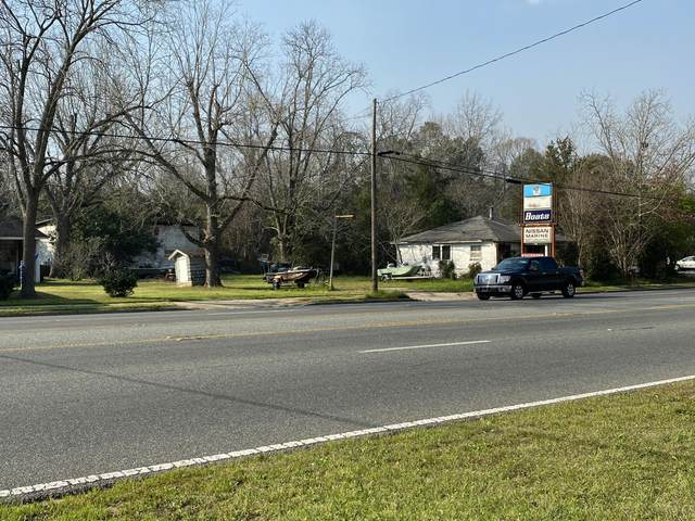 910 N Ferdon Boulevard, Crestview, FL 32536 (MLS #842559) :: Scenic Sotheby's International Realty
