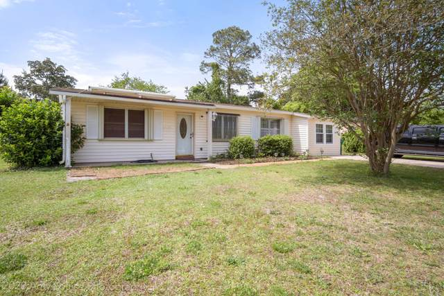 201 W Lorraine Drive, Mary Esther, FL 32569 (MLS #844137) :: Berkshire Hathaway HomeServices PenFed Realty