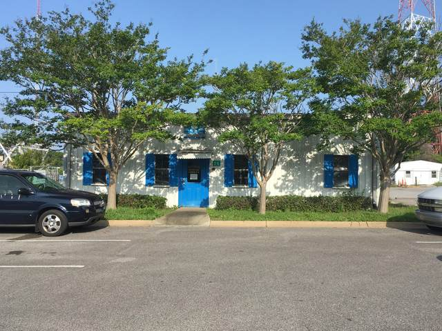 14 NW Robinwood Drive, Fort Walton Beach, FL 32548 (MLS #850734) :: Keller Williams Realty Emerald Coast