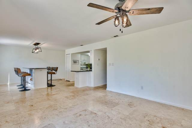 308 SW Miracle Strip Parkway 4B, Fort Walton Beach, FL 32548 (MLS #857673) :: Berkshire Hathaway HomeServices PenFed Realty