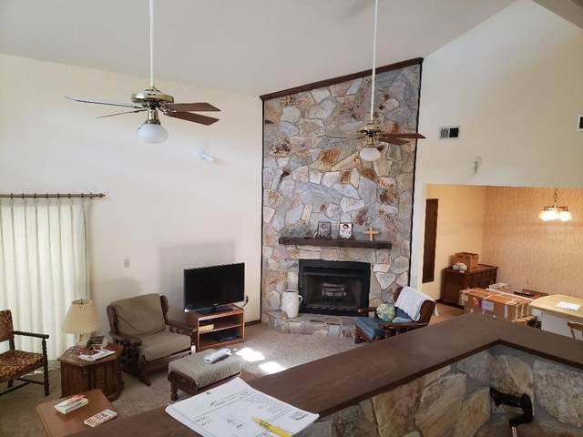 222 NW Thomas Court, Fort Walton Beach, FL 32548 (MLS #860211) :: Berkshire Hathaway HomeServices PenFed Realty