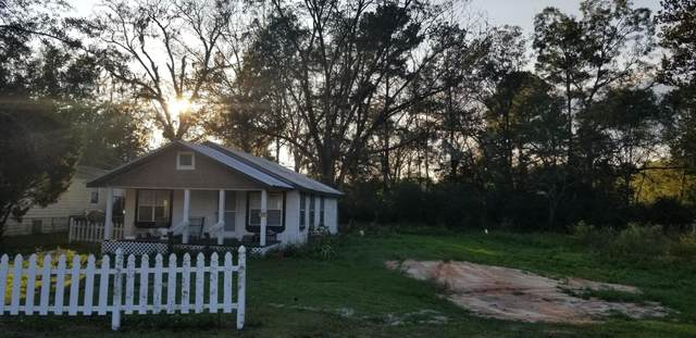 3002 Main Street, Vernon, FL 32462 (MLS #860817) :: NextHome Cornerstone Realty