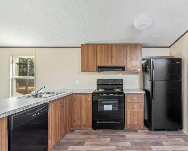 570 W Violet Lane, Defuniak Springs, FL 32433 (MLS #862848) :: ENGEL & VÖLKERS