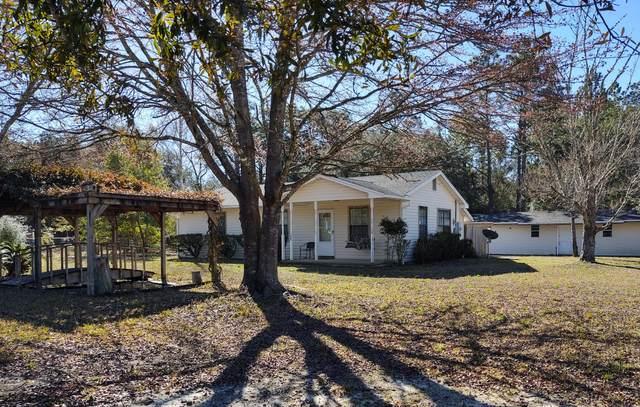 209 Pine Street, Freeport, FL 32439 (MLS #865252) :: Better Homes & Gardens Real Estate Emerald Coast