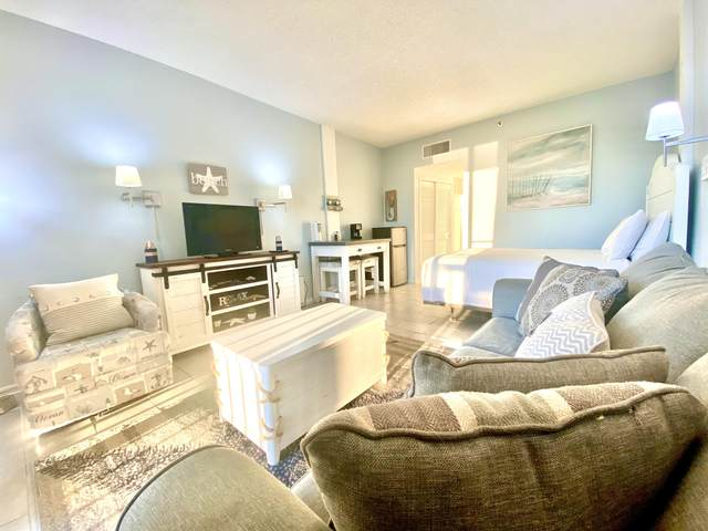 214 SW Miracle Strip Parkway Unit A303, Fort Walton Beach, FL 32548 (MLS #865419) :: Better Homes & Gardens Real Estate Emerald Coast