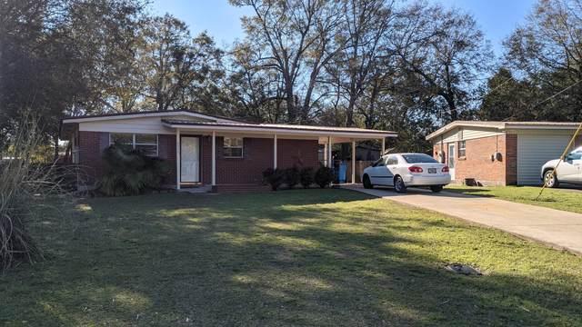 6575 Julia Drive, Milton, FL 32570 (MLS #866007) :: Berkshire Hathaway HomeServices Beach Properties of Florida