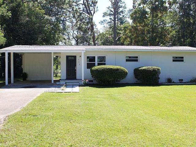 155 Woodlawn Drive, Crestview, FL 32536 (MLS #866025) :: Scenic Sotheby's International Realty