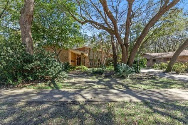 594 NE Fairway Court, Fort Walton Beach, FL 32547 (MLS #866082) :: Berkshire Hathaway HomeServices Beach Properties of Florida