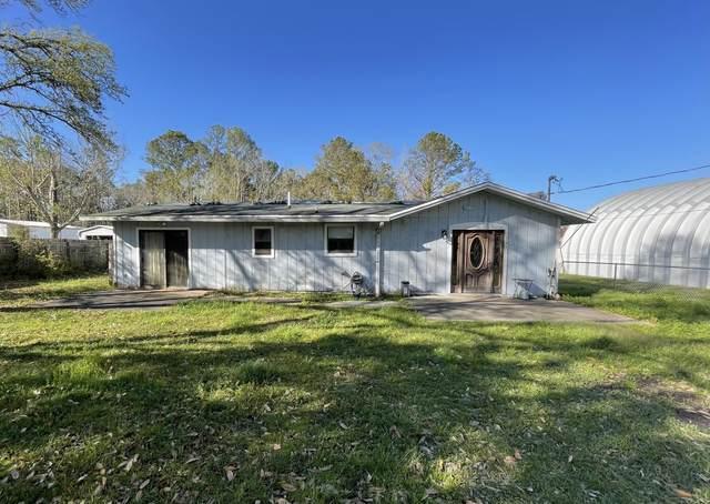 597 Black Creek Lodge Road, Freeport, FL 32439 (MLS #867192) :: The Chris Carter Team