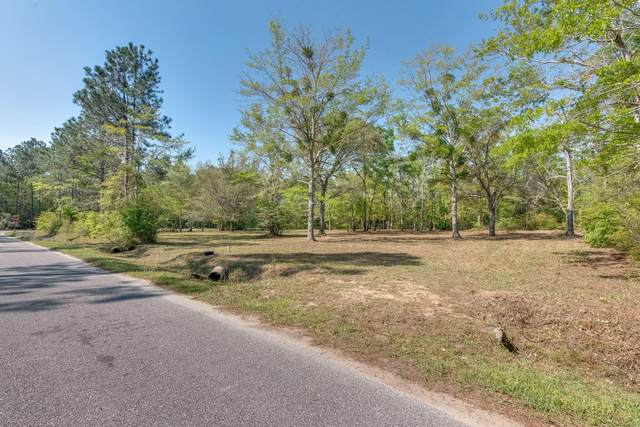 2137 Grand Three Road, Milton, FL 32583 (MLS #868883) :: Scenic Sotheby's International Realty
