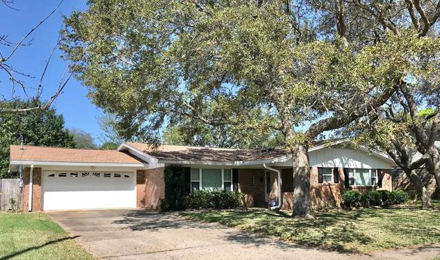 657 NE Fairway Avenue, Fort Walton Beach, FL 32547 (MLS #869026) :: Berkshire Hathaway HomeServices PenFed Realty