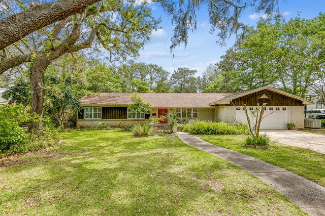 137 Highpoint Drive, Gulf Breeze, FL 32561 (MLS #870791) :: The Honest Group