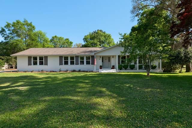 425 Marion Drive, Niceville, FL 32578 (MLS #871294) :: The Honest Group