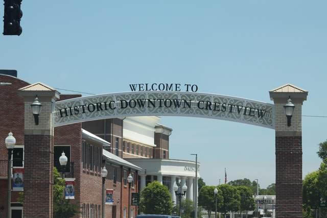306 Brackin Street, Crestview, FL 32539 (MLS #871392) :: Counts Real Estate Group, Inc.